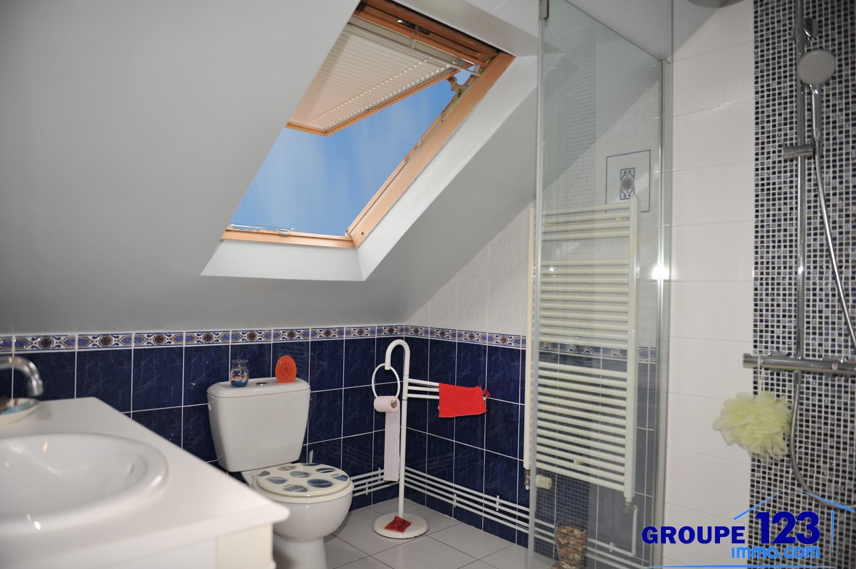 Vente pavillon sur sous sol 4 chambres cuisine ouverte sur salon for Sol cuisine ouverte sur salon
